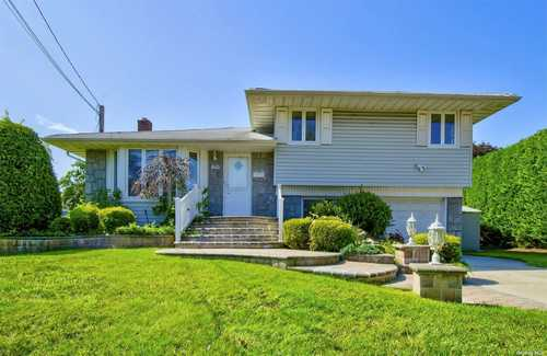 $549,990 - 4Br/2Ba -  for Sale in Seaford