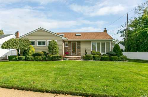 $599,000 - 3Br/2Ba -  for Sale in Lakeville Estates, East Meadow