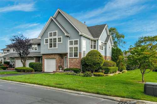 $499,000 - 3Br/3Ba -  for Sale in Park Row, Central Islip