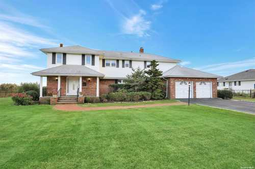 $1,599,000 - 4Br/4Ba -  for Sale in Sayville