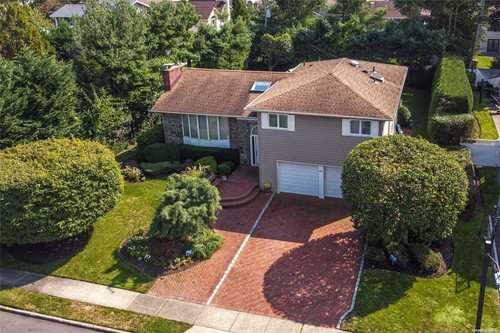 $1,198,000 - 5Br/3Ba -  for Sale in Jericho