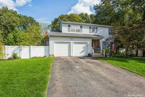 $469,000 - 4Br/4Ba -  for Sale in Coram