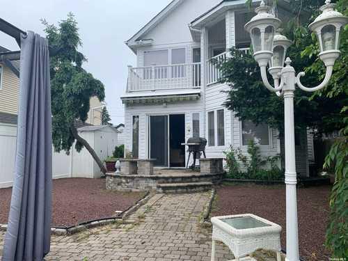 $579,000 - 2Br/2Ba -  for Sale in Massapequa