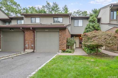 $720,000 - 4Br/3Ba -  for Sale in The Hamlet, Jericho