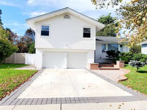 $998,888 - 4Br/3Ba -  for Sale in Jericho