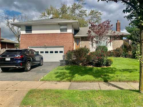 $930,000 - 3Br/2Ba -  for Sale in Syosset