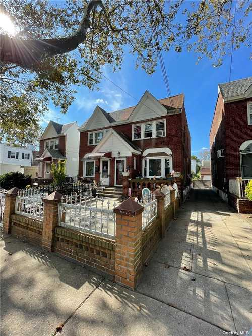$638,800 - 3Br/2Ba -  for Sale in Ozone Park