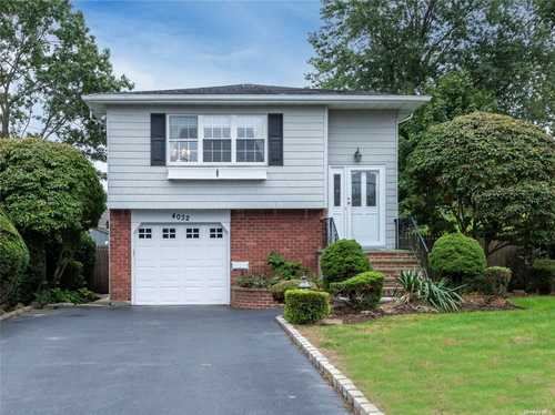 $669,000 - 4Br/2Ba -  for Sale in Seaford