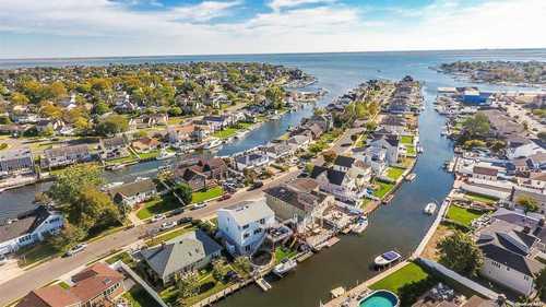$925,000 - 4Br/2Ba -  for Sale in Biltmore Shores, Massapequa