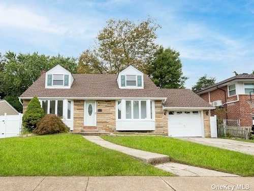 $799,000 - 4Br/2Ba -  for Sale in Syosset