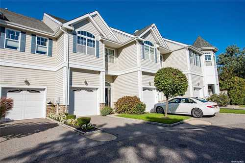 $565,000 - 2Br/3Ba -  for Sale in Riverview, Patchogue