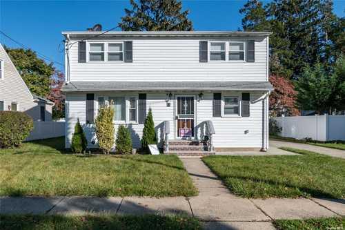 $799,000 - 4Br/2Ba -  for Sale in Hicksville
