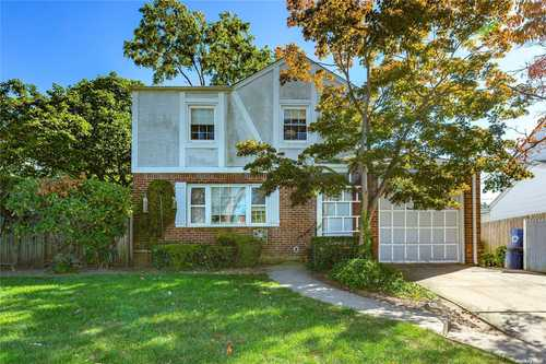 $898,000 - 3Br/2Ba -  for Sale in Great Neck