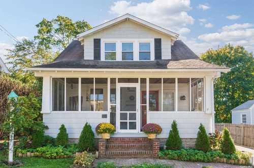$579,000 - 2Br/2Ba -  for Sale in Huntington