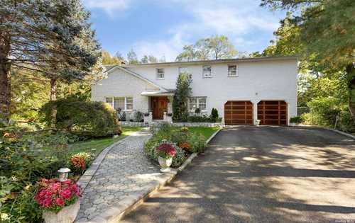 $849,999 - 5Br/3Ba -  for Sale in Glen Cove