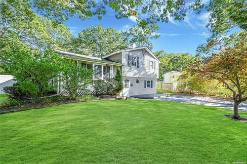 $459,999 - 3Br/2Ba -  for Sale in Medford