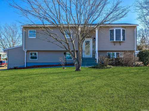 $479,990 - 4Br/3Ba -  for Sale in Medford