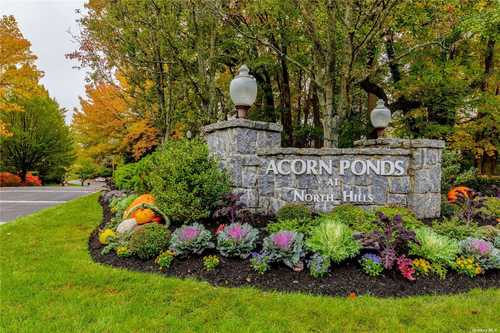 $868,000 - 3Br/3Ba -  for Sale in Acorn Ponds, Roslyn