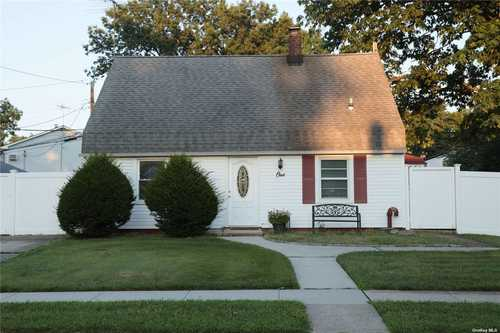 $525,000 - 3Br/1Ba -  for Sale in Levittown