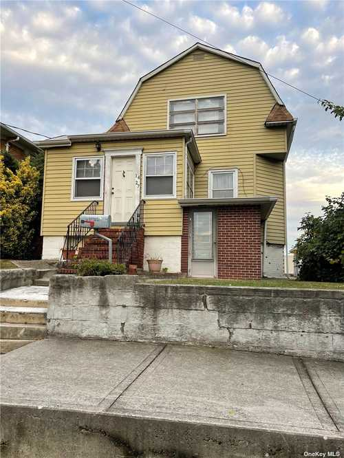 $1,299,000 - 4Br/3Ba -  for Sale in College Point