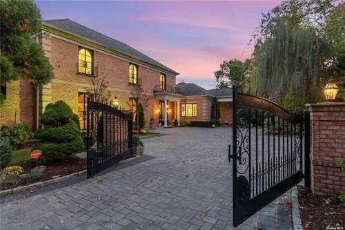 $5,990,000 - 6Br/7Ba -  for Sale in Old Brookville