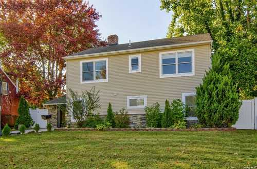 $749,000 - 5Br/2Ba -  for Sale in Levittown