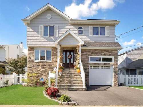 $829,000 - 4Br/3Ba -  for Sale in Massapequa Shores, Massapequa