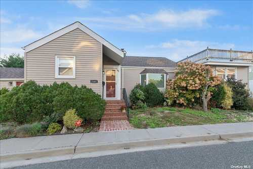 $749,000 - 3Br/2Ba -  for Sale in Long Beach