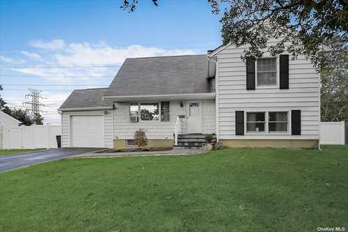 $439,000 - 3Br/2Ba -  for Sale in Centereach