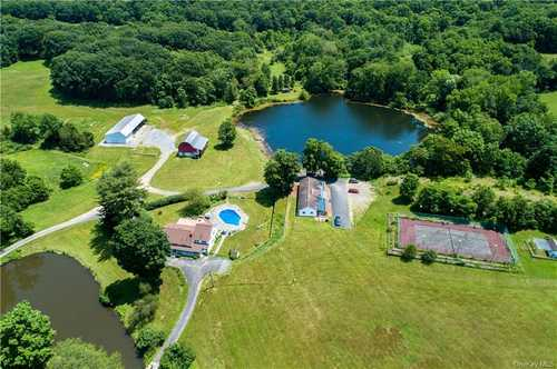 $4,200,000 - 4Br/3Ba -  for Sale in Pleasant Valley