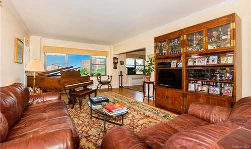 $875,000 - 3Br/2Ba -  for Sale in Briarcliff, Bronx
