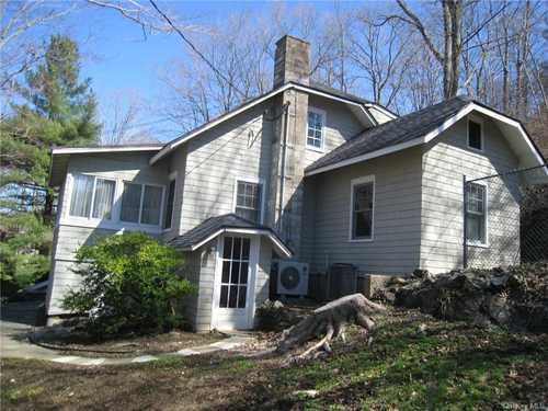 $450,000 - 3Br/2Ba -  for Sale in North Salem