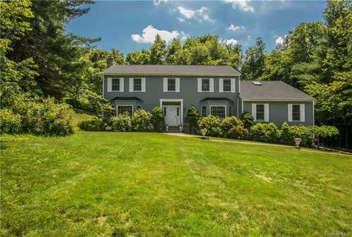 $1,349,000 - 4Br/3Ba -  for Sale in Heritage Court, Mount Pleasant