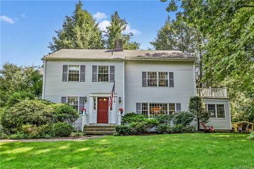 $899,000 - 5Br/3Ba -  for Sale in Mount Pleasant