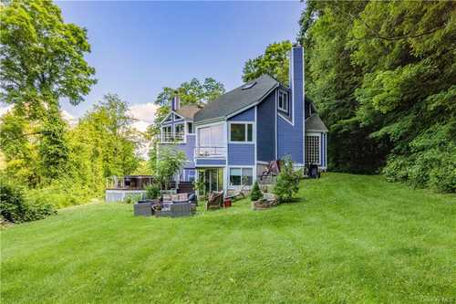 $1,300,000 - 4Br/4Ba -  for Sale in North Salem
