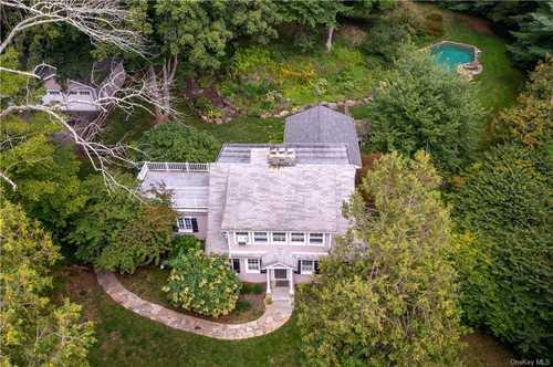 $1,250,000 - 4Br/2Ba -  for Sale in Pound Ridge
