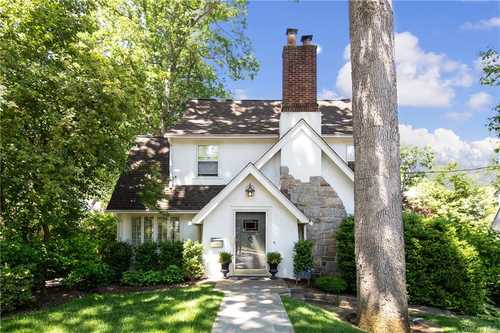 $989,000 - 4Br/2Ba -  for Sale in Greenburgh