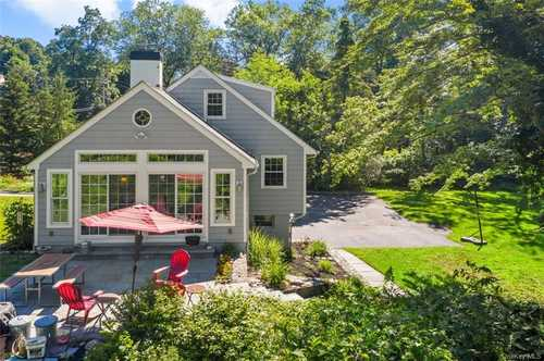$840,000 - 5Br/2Ba -  for Sale in Bedford
