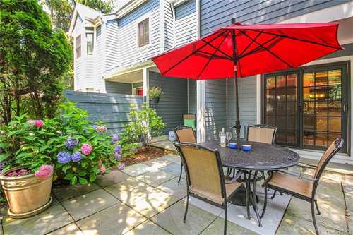 $715,000 - 2Br/2Ba -  for Sale in Fieldpoint, Greenburgh