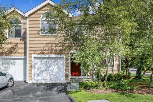 $699,999 - 2Br/3Ba -  for Sale in Old Farm Lake, New Castle