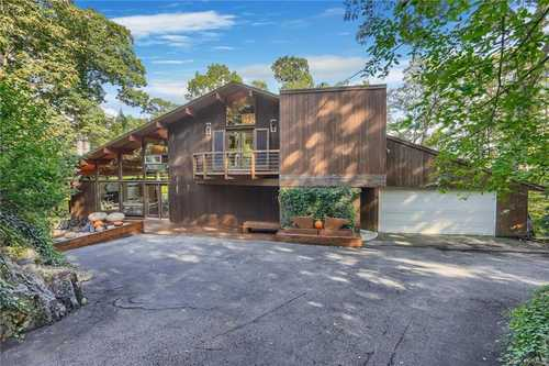 $949,000 - 4Br/3Ba -  for Sale in Mount Pleasant