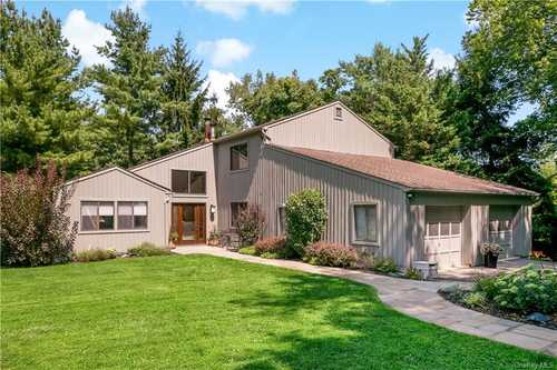 $989,000 - 3Br/3Ba -  for Sale in Mount Pleasant