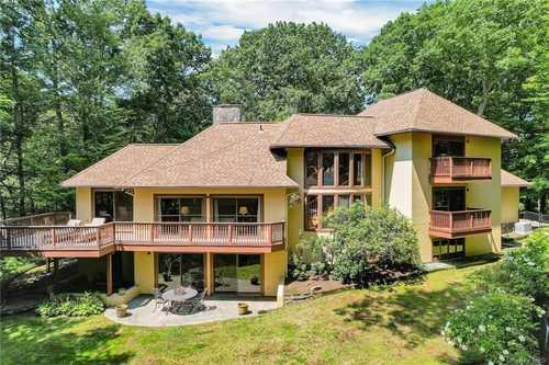 $1,500,000 - 4Br/5Ba -  for Sale in Pound Ridge