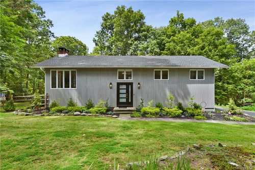 $819,000 - 3Br/3Ba -  for Sale in Bedford