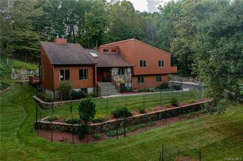 $1,190,000 - 4Br/3Ba -  for Sale in Mount Pleasant