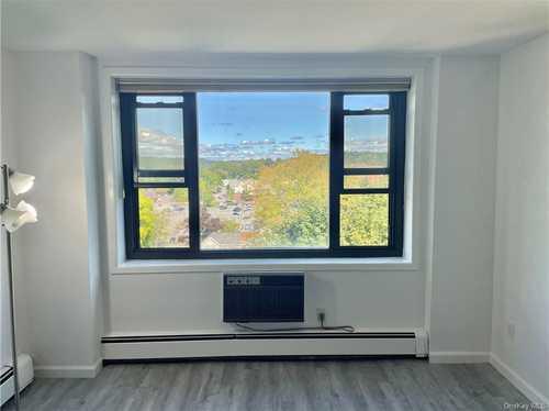 $128,000 - 1Br/1Ba -  for Sale in Stewart Heights, Mount Kisco