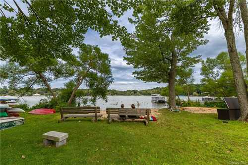 $315,000 - 2Br/1Ba -  for Sale in Nwcc Hotel Property, North Salem