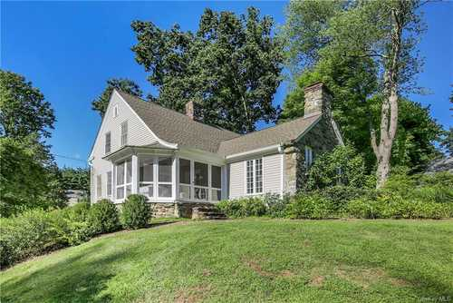 $1,349,999 - 4Br/3Ba -  for Sale in New Castle