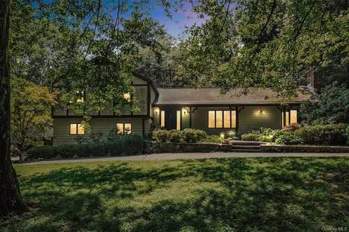 $1,230,000 - 3Br/3Ba -  for Sale in Yale Farms, North Castle