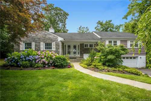 $1,099,000 - 3Br/3Ba -  for Sale in Mamaroneck